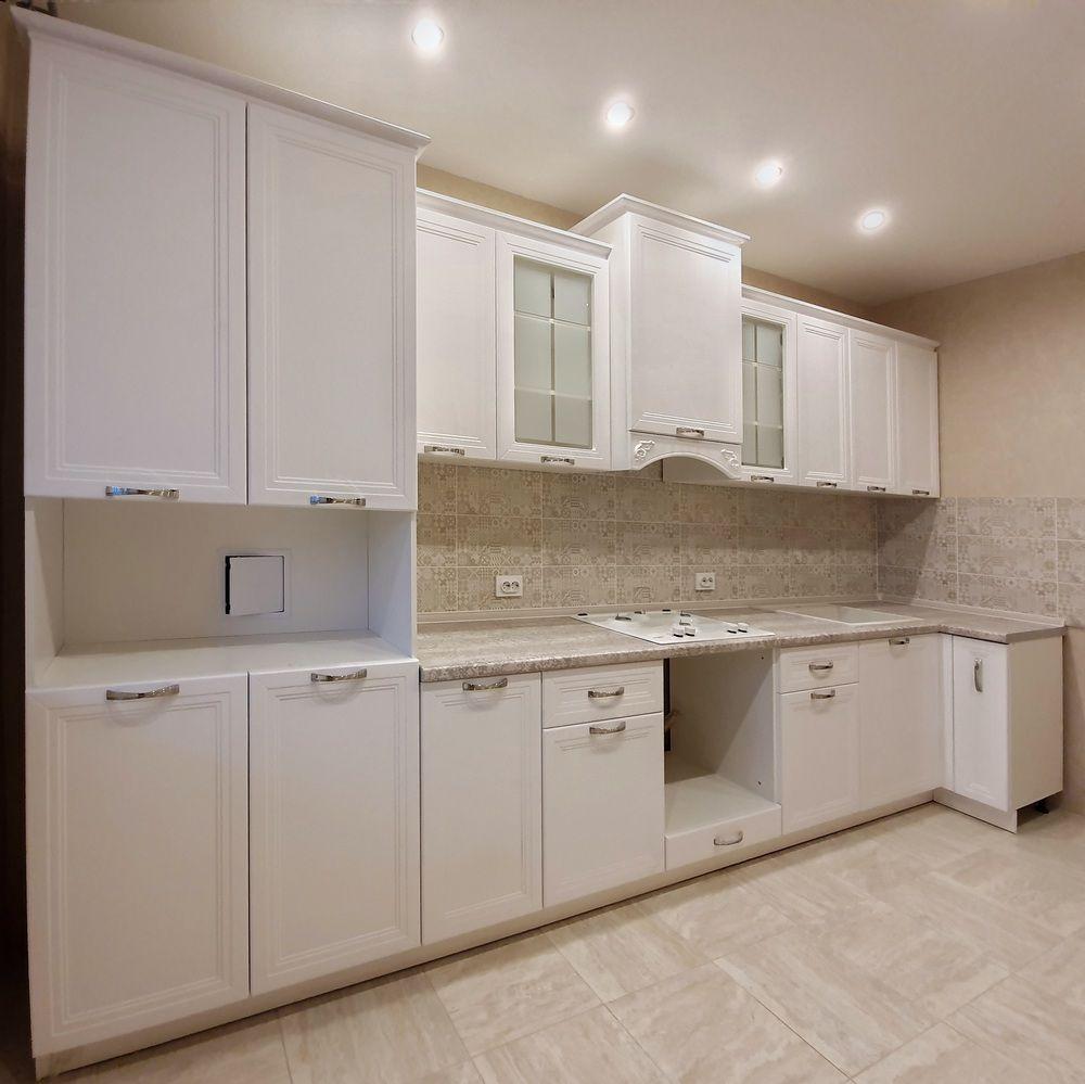 Белый кухонный гарнитур-Кухня МДФ в эмали «Модель 538»-фото3